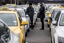 Protesty taxikářů.