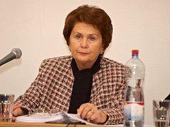Marie Kozumplíková - ve své někdejší funkci starostky přezdívaná jako Železná lady Prahy 3. Podle ní jsou hlavní příčiny korupce ve špatném charakteru lidí.