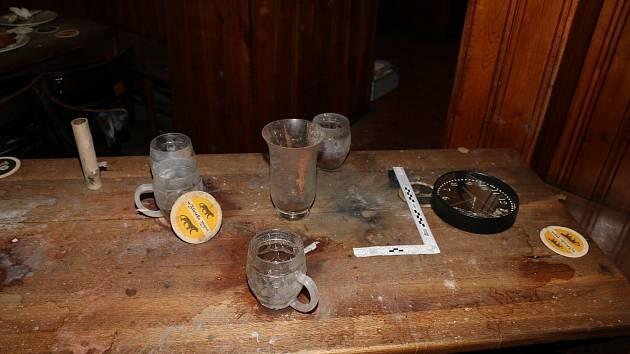 Muž pod vlivem alkoholu a drog odpálil ohňostroj uvnitř restaurace U Zlatého Tygra. Vzápětí skončil v poutech.