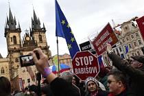 Protest za obranu demokracie v Praze.