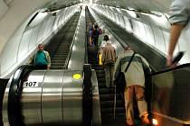 Eskalátory v metru. Ilustrační foto.