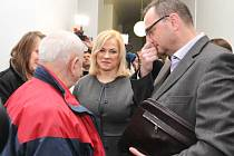 Projednávání kauzy Jany Nečasové (někdejší vrchní ředitelky kabinetu úřadu vlády Jany Nagyové), v níž jde podle obžaloby o zneužití vojenských zpravodajců, zahájil ve čtvrtek 20. listopadu 2014 Obvodní soud pro Prahu 1.
