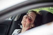 Zážitková medicína je způsob výuky zaměřený na nácvik reakcí v reálných situacích, používá se při něm například maskování figurantů s reálně vypadajícími zraněními. Ilustrační fotografie.