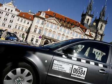 Stotisícovou pokutu pražský taxikář platit nakonec nebude./Ilustrační foto