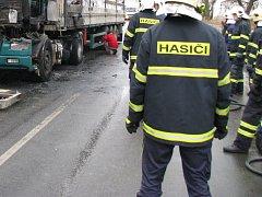 Hořící kamion. Ilustrační foto.