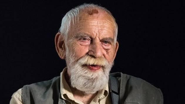 Slavný literární kritik zemřel po dlouhé nemoci 14. února 2018.