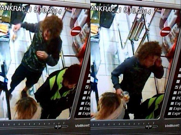 Kriminalisté pátrají po podezřelém z loupeže v obchodním centru na Pankráci.
