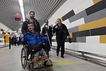 Pro cestující v pražském metru byl ve čtvrtek 8. října 2015 otevřen bezbariérový přístup do stanice Anděl na lince B.