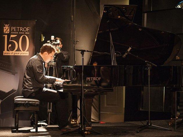 Vítek Křišťan v soutěži Pianista roku 2016.