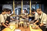 Oldřich Sahajdák (uprostřed), šéfkuchař v restauraci La Degustation, poskytl 18. srpna v Praze rozhovor Deníku.