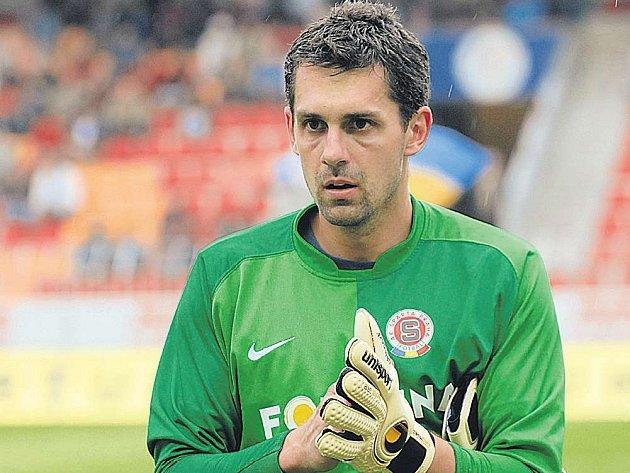 Sparťanský brankář Tomáš Poštulka nosí na dresu číslo 1. Zůstanou mu rukavice prvního gólmana i v lize?