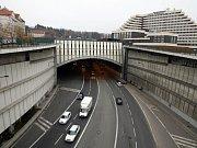 Strahovský tunel. Také zde měření údajně poukázalo na zásadní problém.