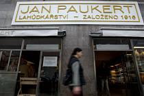 Máme otevřeno. Známé pražské lahůdkářství Jan Paukert prošlo rozsáhlou rekonstrukcí a v úterý se slavnostně otevřelo svým zákazníkům.