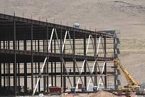 Stavba Gigafactory 1 v americkém státě Nevada. Ilustrační foto.