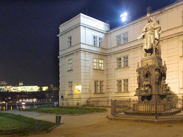 Pomník Karla IV. Ilustrační foto.