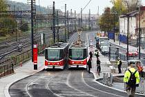 Obnovený provoz v Nádražní ulici na Smíchově.