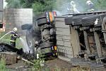 Havárie kamionu na Jižní spojce.
