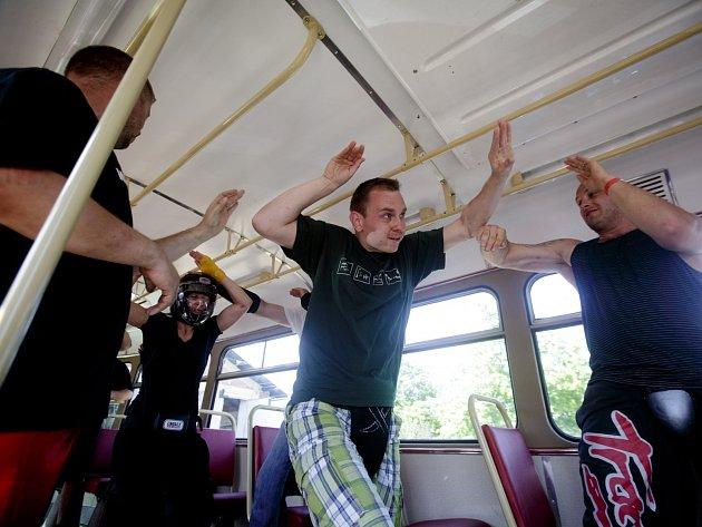 Kurz sebeobrany Krav maga proběhl o víkendu v Praze
