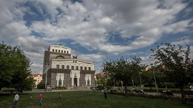 Náměstí Jiřího z Poděbrad. Ilustrační foto.