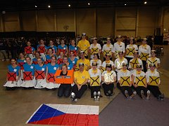 Skupina Four Taps na týmové fotografii ze světového šampionátu ve stepu