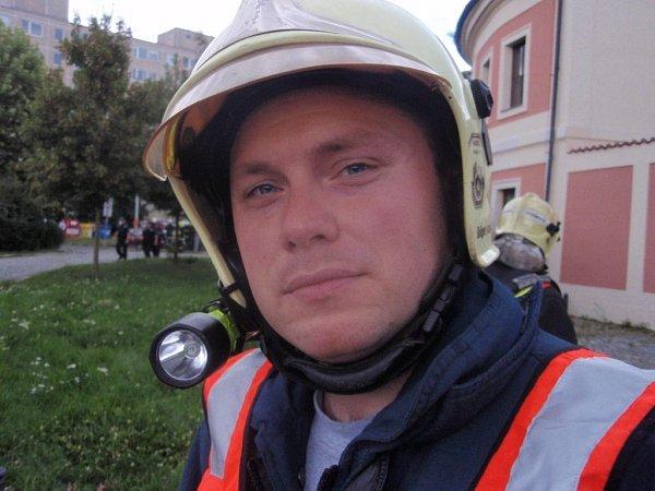 Velitel hasičského cvičení na Chodovské tvrzi Jiří Košárek.