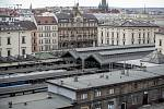 Architekt Patrik Schumacher ze světoznámého studia Zaha Hadid Architects se setkal v pražském Florentinu s partnerem investiční skupiny Penta Investments Dospivou a pražskou primátorkou Krnáčovou. Během ní si prohlédl prostor v okolí Masarykova nádraží.