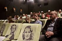Ze slavnostního představení nového sálu v pražském kině Lucerna.