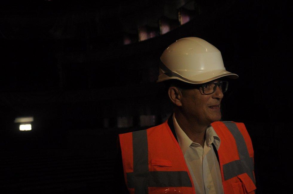 Ředitel ND Jan Burian pravidelně kontroluje průběh stavby.