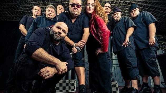 Kapela Sto zvířat patří k nejžádanějším jménům na tuzemské hudební scéně.