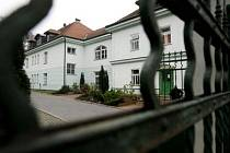 Jediný hospic v Praze funguje v Bohnicích. Avšak ten má nedostatek místa pro své klienty. Jeho kapacita 50 míst je obsazená.