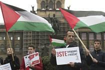 V centru Prahy vyjádřili Palestinci solidaritu se soukmenovci.