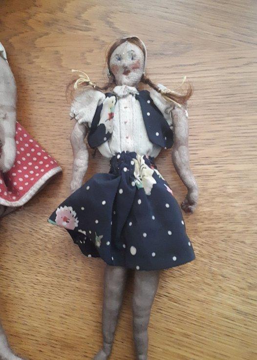 Panenka vyrobená matkou v Terezíně.