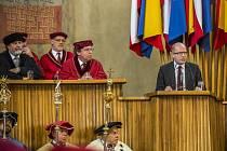 Slavnostní zasedání u příležitosti 600. výročí upálení Mistra Jana Husa se uskutečnilo 2. července 2015 v pražském Karolinu za účasti premiéra Bohuslava Sobotky.