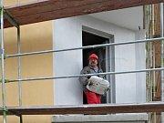 Pozastavení platnosti Pražských stavebních předpisů (PSP) podle mnohých jejich zastánců nahrává billboardové lobby. Za zavedení PSP si exprimátor Tomáš Hudeček vloni na podzim vysloužil ostrou antikampaň od provozovatelů reklamních ploch.