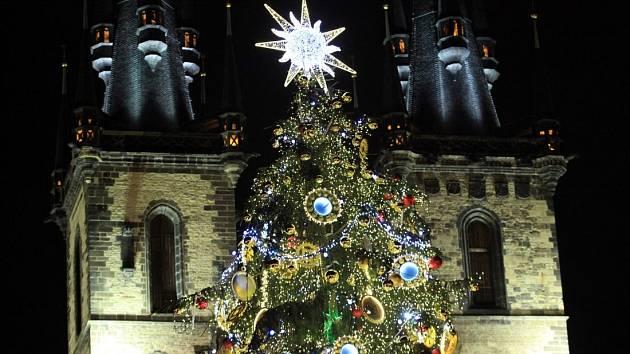 Rozsvícení vánočního stromu na Staroměstském náměstí 2013