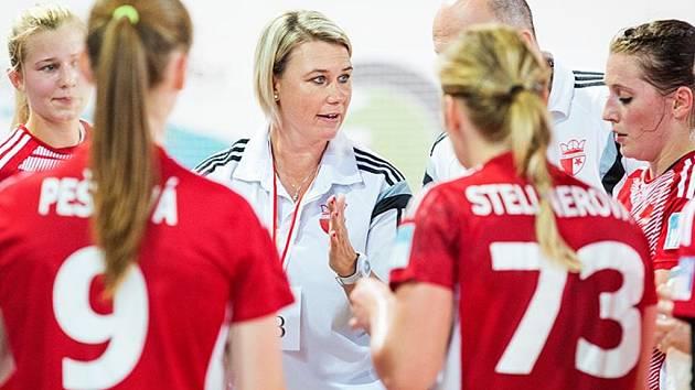 Trenérka házenkářek Slavie Petra Vítková.