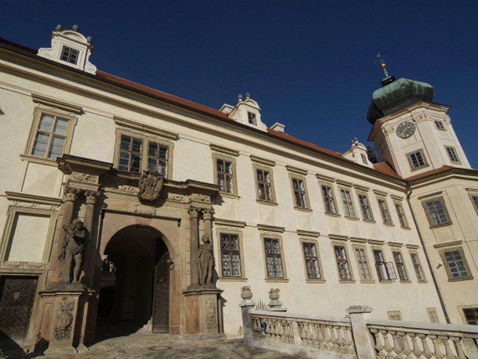 Zámek Mníšek pod Brdy.