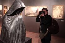 Národní galerie v Praze zve do Tajemných dálek symbolismu.