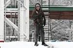 Finišující přípravy na zahájení Matějské pouti zasypal ve středu 17. února 2016 sníh.