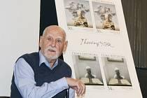 Představení nových poštovních známek, na kterých jsou znázorněny dva obrazy Theodora Pištěka.