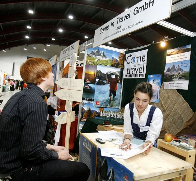 Patnáctý ročník mezinárodního studentského veletrhu fiktivních firem začal 25. března na výstavišti v Holešovicích.