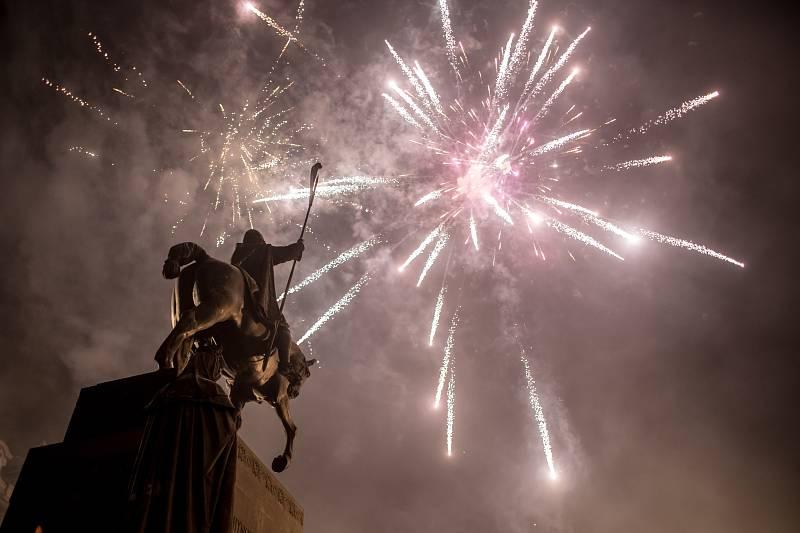 Oslavy konce roku 2016 v centru Prahy.
