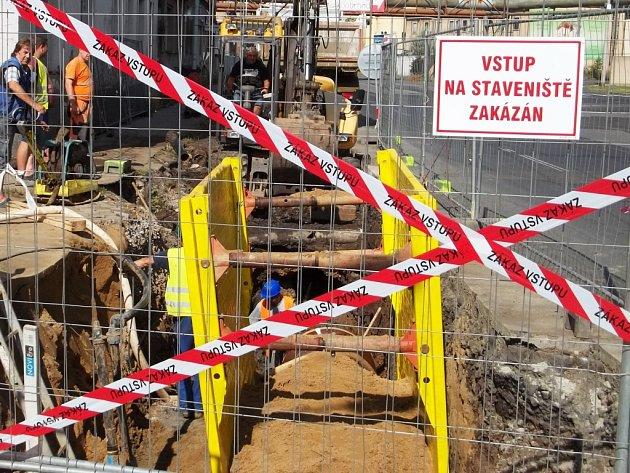 Oprava kanalizace. Ilustrační foto.