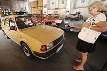 V Kozovazech u Prahy bylo 21. srpna otevřeno Muzeum socialistických vozů. Vystaveny jsou tam tři desítky aut, kterými Češi jezdili před rokem 1989. Jedním z exponátů je i Škoda 120L, kterou si Ing. Václav Klaus zakoupil v roce 1986.