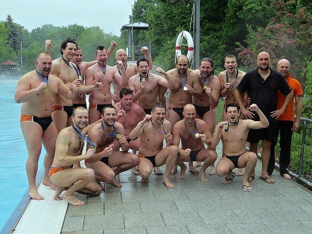 JE DOBOJOVÁNO! Vodní pólisté Steppu už vědí, že zvítězili ve 2. německé lize.