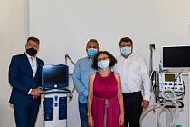 Tisková konference u příležitosti předání plicních ventilátorů Nemocnici Na Františku.
