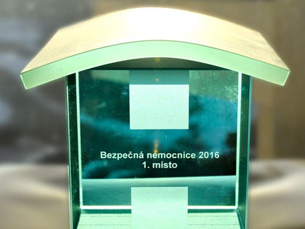Ústřední vojenská nemocnice - Vojenská fakultní nemocnice Praha se stala vítězem ankety Bezpečná nemocnice.