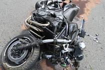 Dopravní policisté hledají případné svědky havárie motorkáře, ke které došlo v polovině dubna roku 2016 u obce Buš na pomezí Prahy-západ a Příbramska.