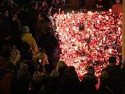 Lidé si po celé Praze připomínali 17. listopadu 29. výročí Sametové revoluce.