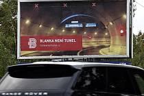 Blanka není tunel je hlavním heslem informační a reklamní kampaně, kterou několik dnů před plánovaným otevřením tunelového komplexu Blanka spustila stavební firma Metrostav.